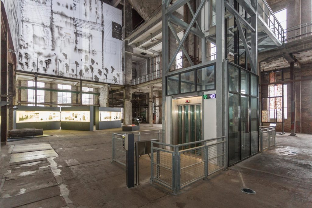 peenemuende_das_museum_austellungen_Gläserner-Aufzug0789