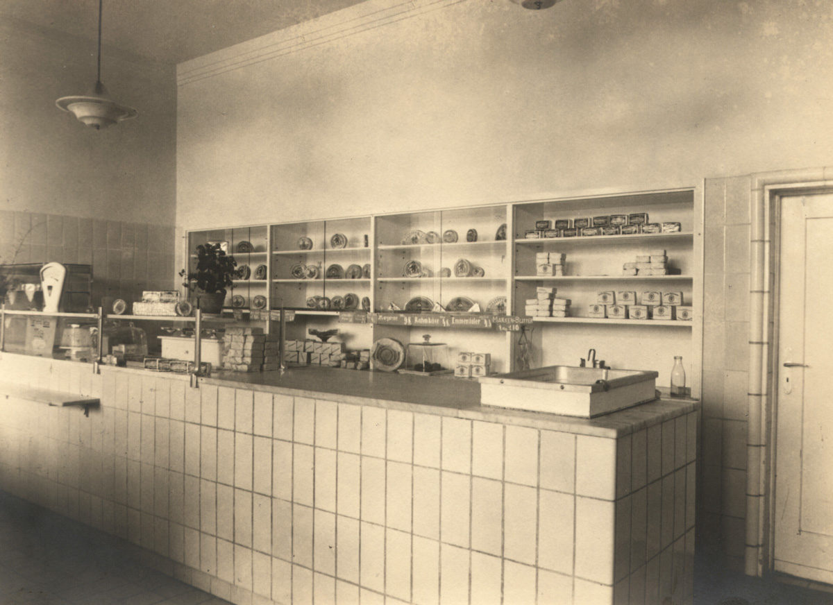 Milchgeschäft Waldow im Kaufhaus, Aufnahme um1940, Foto: Hermann Hesse (HTM Peenemünde, Archiv)