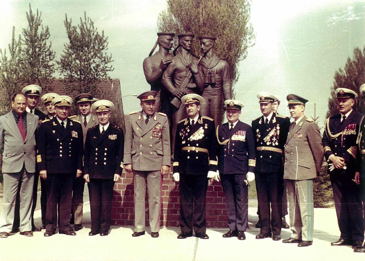 Besuch des Ministers für Nationale Verteidigung der DDR in Peenemünde. (HTM Peenemünde, Archiv)