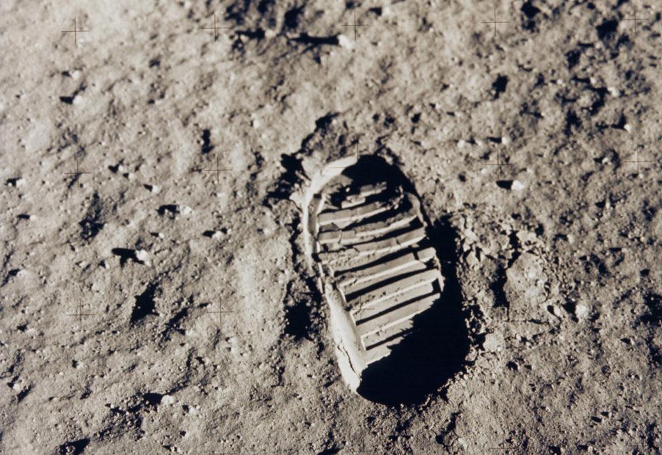 Wettlauf zum Mond. Viel Lärm um einen kleinen Schritt?
