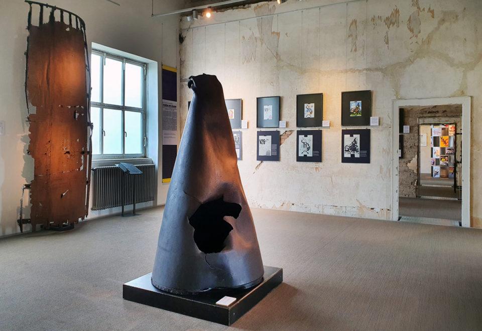 Kunst und Waffen. Das militärische Ritual der Raketenverzierung